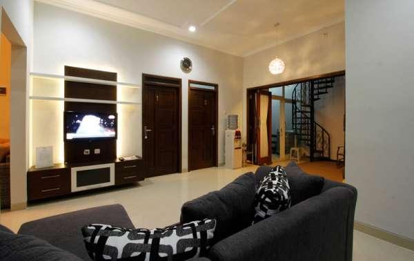 Naura Guest House
