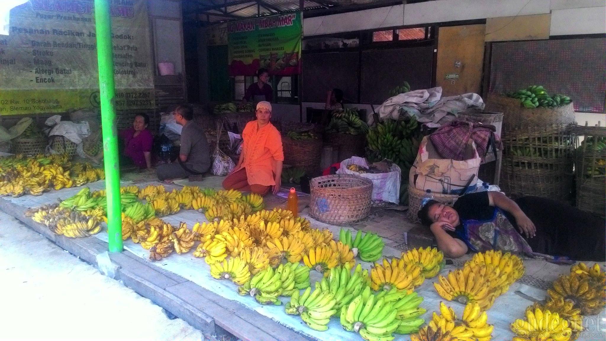 Pasar Prambanan Yogyakarta