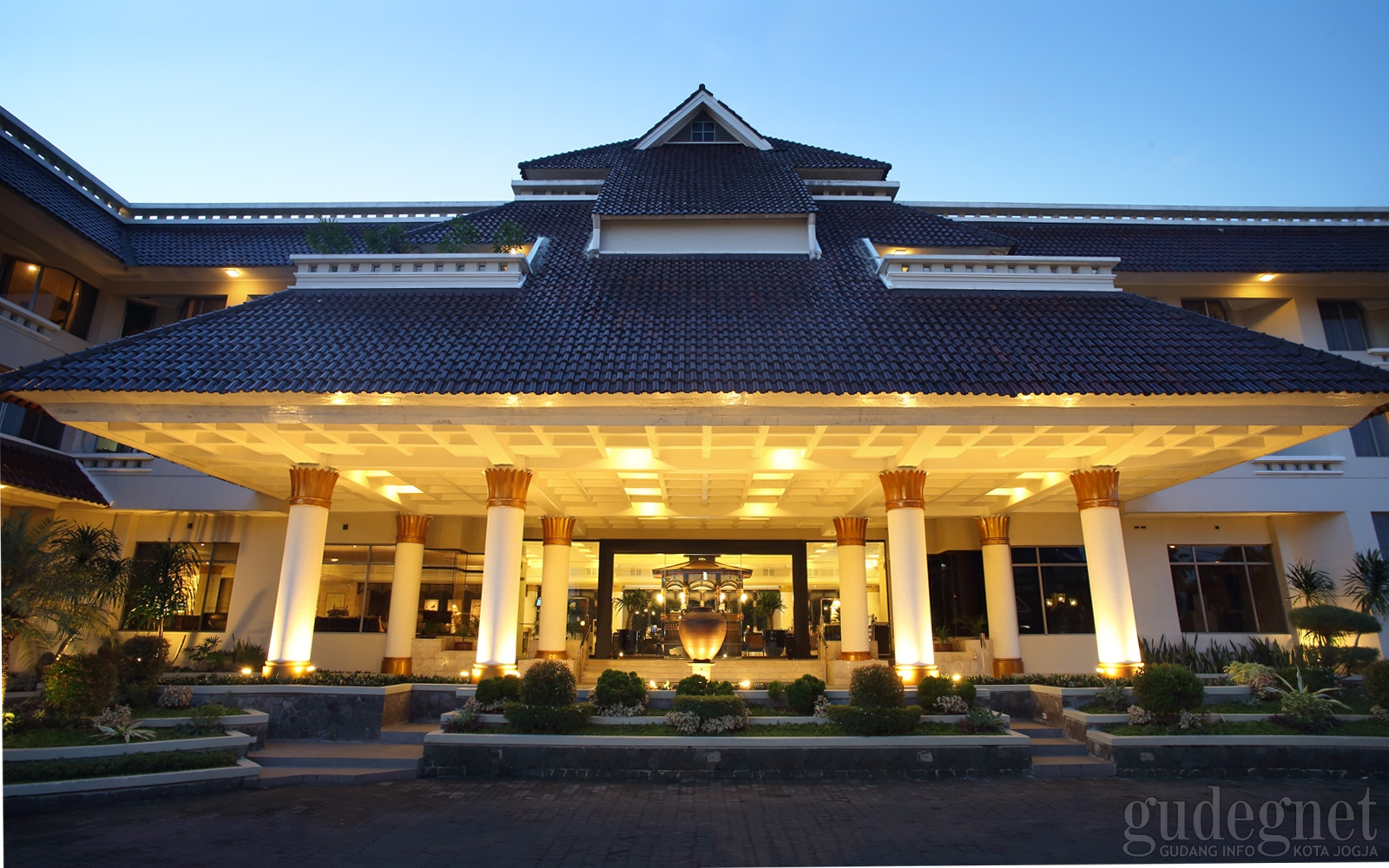 Hotel Santika Premiere Jogja Yogya | GudegNet