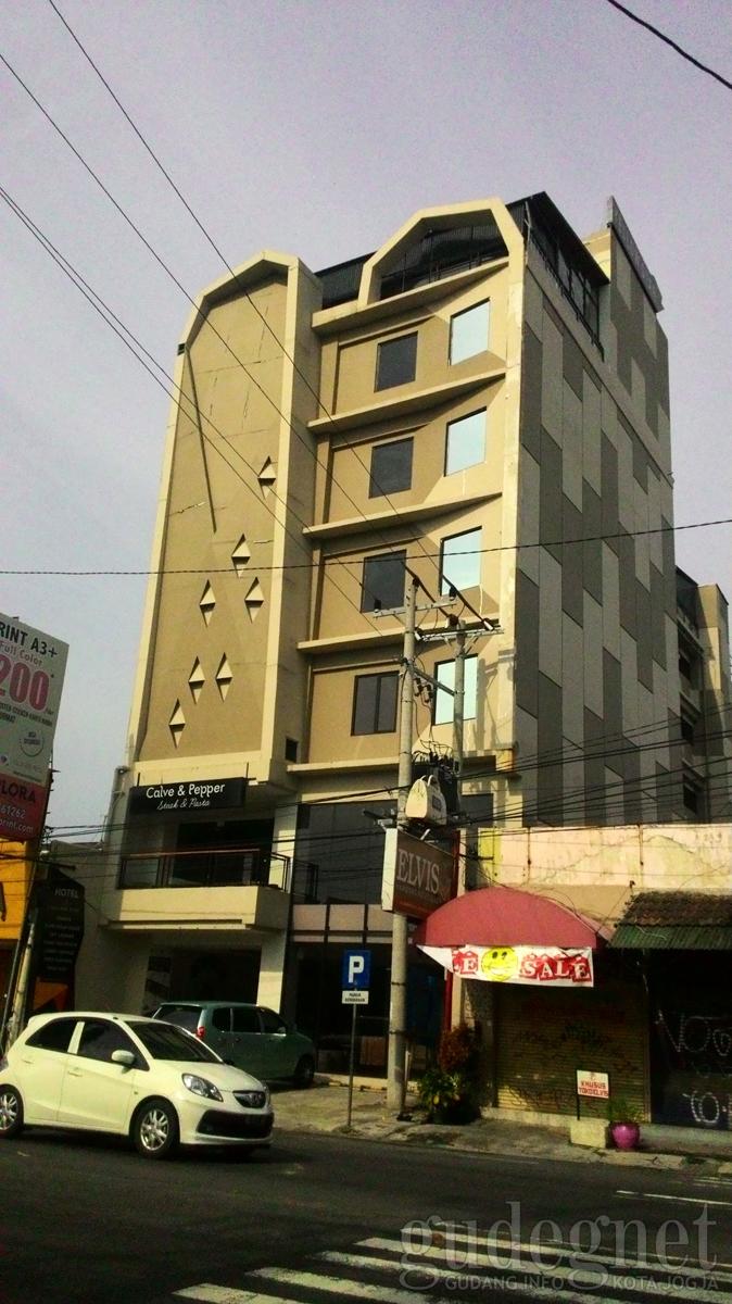 Yellow Star Gejayan Hotel Yogyakarta