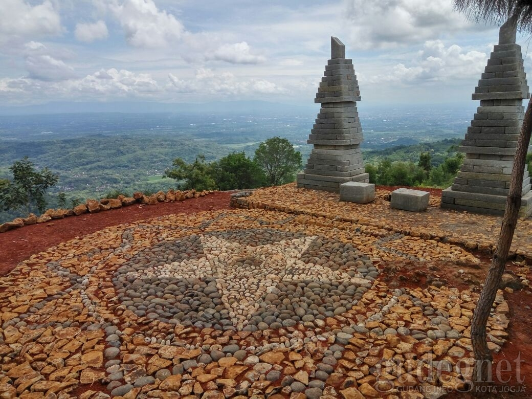 Bukit Lintang Sewu Yogya  GudegNet