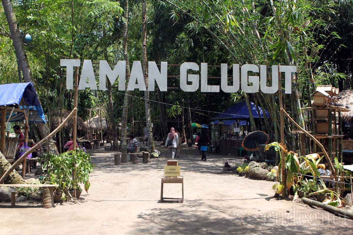 wisata perahu di jogja Taman Glugut Wonokromo Bantul Yogya GudegNet