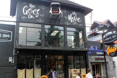 Move On Cafe