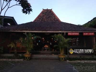 Oemah Djowo Classic Restaurant