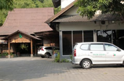 Pondok Makan  Pelem Golek Yogyakarta