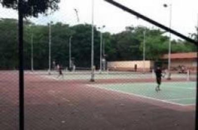 Lapangan Tenis Outdoor Universitas Gadjah Mada ( UGM )Yogyakarta