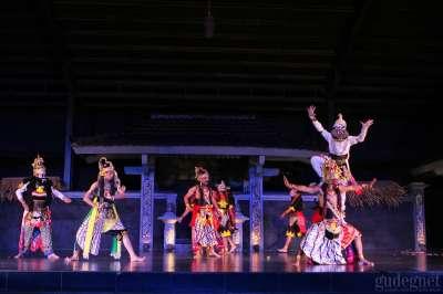 Tari Kolosal Ramayana Ballet