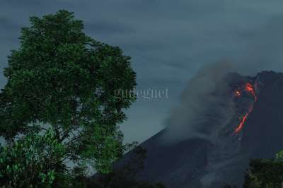 Awan Panas Gunung Merapi 2021
