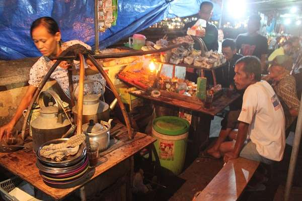 Angkringan Kopi Joss Tugu Yogyakarta Yogya | GudegNet