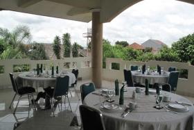 Ruang Makan Balkon