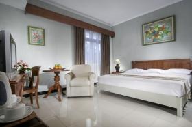 Cakra Kusuma Hotel's Deluxe Suite Room