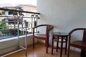 Teras di Hotel Grha Somaya untuk santai dan menikmati senja di Yogyakarta