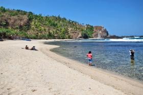 Pantai Siung, pas untuk Anda dan keluarga