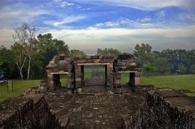 Candi Ratu Boko yang indah dan menakjubkan di Yogyakarta
