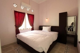 Kamar Utama UNO Guest House