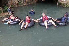 Bersama tim Gudeg.net menikmati liburan di Goa Pindul