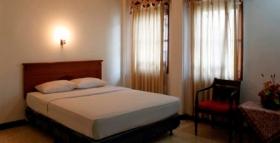 Kamar di Wisma Arimbi yang bersih dan rapi