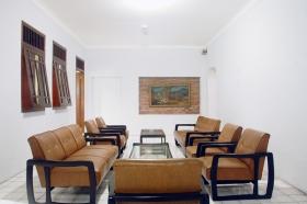 Ruang tamu yang membuat Anda serasa di rumah sendiri