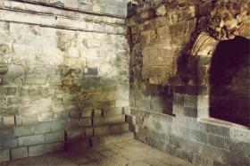 Dulunya Candi Sari berfungsi sebagai asrama bagi para bhiksu