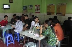 Suasana di Warung Mbok Wig