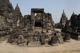 Salah Satu Reruntuhan Candi Perwara di Candi Sewu
