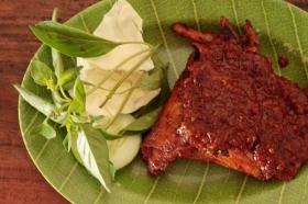 Ayam bakar pedas, menu favorit di ayam bakar Arto Moro