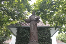 patung santo Antonius