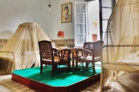 ruang tidur jenderal Soedirman dan istri
