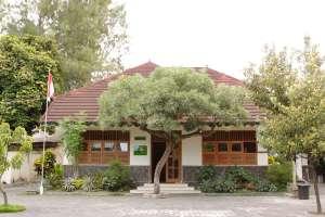 Bangunan pastoran