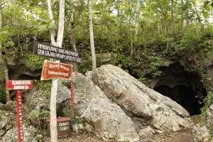 Beberapa aturan bagi pengunjung sebelum masuk ke areal goa Gajah