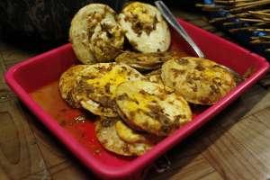 Telur pedas lauk yang rasanya kemranyas