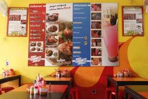 Tampilan menu di bakso Granatz Pedazz