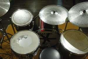 Hobi bermusik membutuhkan fasilitas yang mumpuni