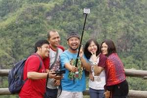 Selfie, aktivitas favorit pengunjung Kebun Buah Mangunan