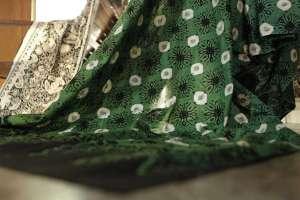 Proses menghasilkan kain batik membutuhkan kesabaran dan ketelatenan