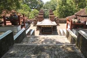 Makam Imogiri selain sebagai cagar budaya juga digunakan sebagai tempat ziarah