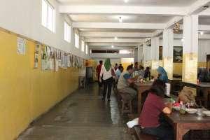 Meja dan kursi di SGPC Bu Wiryo
