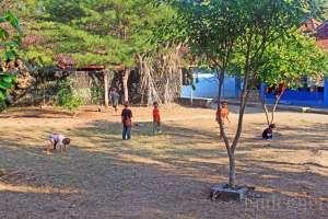 Lapangan tempat bermain bola di pantai Kukup