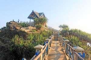 Pantai Kukup, salah satu pantai terbaik di Yogyakarta