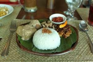 Menu gudeg terik tahu khas restoran gudeg Bu Tjitro Yogyakarta