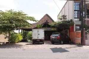Tampak muka rumah makan gudeg Yu Sum Yogyakarta