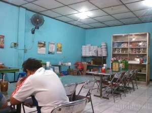 Suasana di tempat makan Gudeg Song Djie Bu Atmo