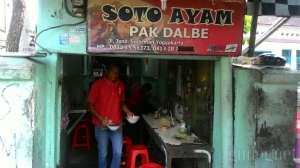 Warung Soto Pak Dalbe yang 'nyempil'