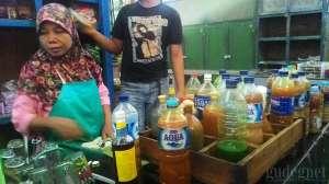 Salah satu penjual jamu di Pasar Colombo