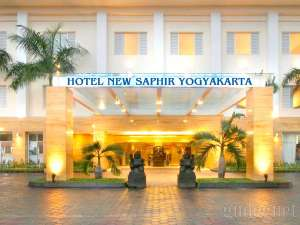 Tampak depan Hotel New Saphir Yogyakarta