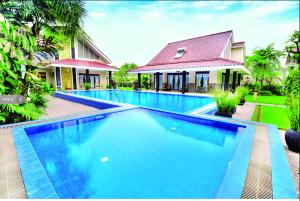 Pool_griya persada