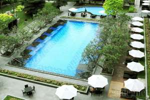 Swimming Pool Royal Ambarrukmo Hotel