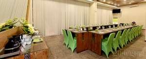 Meeting Room_Whiz Hotel