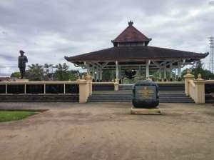 Tampak depan museum Monumen Pahlawan Pancasila