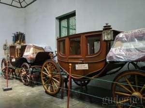 Kareta kencana koleksi Kraton Yogyakarta sebagian besar masih digunakan untuk acara Kraton.